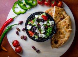 Salată bulgărescă image