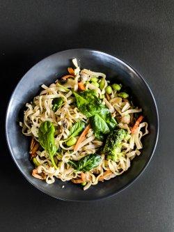 20% reducere: Veggie King Noodless + Limonadă Combo image