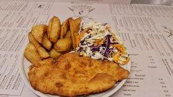 Meniu Șnițel vienez + cartofi prăjiți + salată de varză image