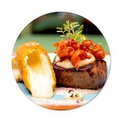 Mușchi de vită la grătar cu brânză camembert image