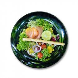 Salată de somon image