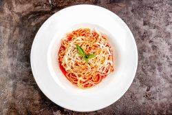 Spaghete cu sos de rosii si ton