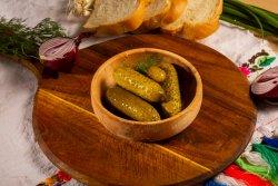 Salată de castraveți murați de casă image