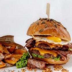 Burgerul Nebun (egg&bacon)  image