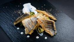 File de biban de mare  cu legume la abur si sos de sofran image