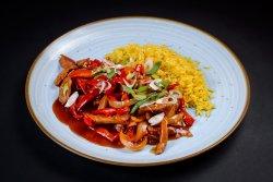Porc chinezesc cu legume și  orez basmati image