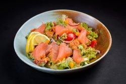 Salată cu somon  image
