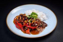 Tigaie de vită spicy kabo cu orez image