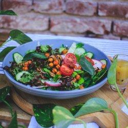 WILD & SHROOMY salad image