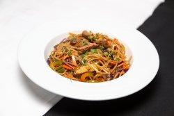 Noodles cu vita și legume image