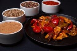 Carne de pui cu legume în stil chinezesc image