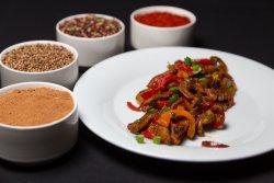 Carne de vita cu legume în stil indian image