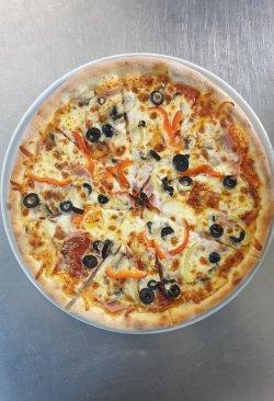 1+1 GRATUIT: Pizza Quattro Stagioni image