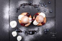 Papanași cu smântână și dulceață image