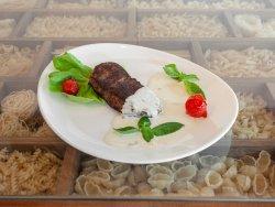 Vrabioara de vită quatro formaggi - vita, gorgonzola, parmezan, tallegio, smântâna de gătit image