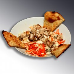 Salata de pui cu măr, țelina și morcov / Salad of raw vegetables and chicken image