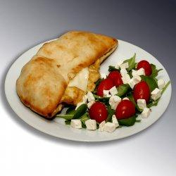 Sandwich cu omletă/Sandwich with scrambeld egg image
