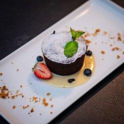 Souffle ciocolată cu sos de vanilie image