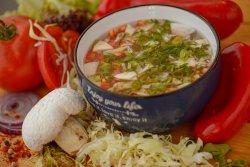 Supă clară de legume cu pui image