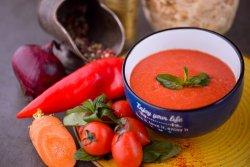 Supă cremă de roşii coapte cu busuioc image