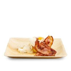 Bulz dobrogean cu bacon, smântână și ou image