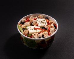 Greek salad cu pui image