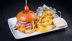 C.M.M Burger image
