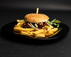 Burger vegan beyond meat + cartofi prăjiți image