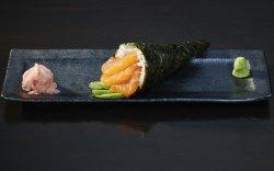 Temaki Salmon and Avocado image
