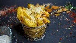 Cartofi prajiti cu smantana, usturoi, parmezan image