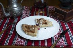 Clătite cu dulceață de vișine/ Pancakes with cherry jam image