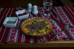 Jigo de berbecuț cu fasoleboabe/Mutton with baked beans image