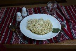 Paste Aglio Olio Peperoncini/ Aglio Olio Peperoncini Pasta image