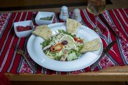 Salată Caesar/ Caesar salad image