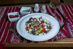 Salată grecească/ Greek salad image