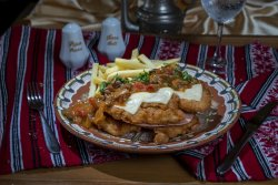 Șnițel prahovean cu cartofi prăjiți/Prahovean schnitzel with French fries image