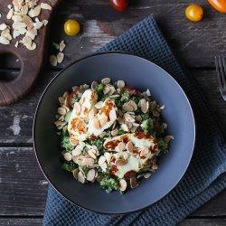 Salată tabbouleh, cu broccoli și halloumi image