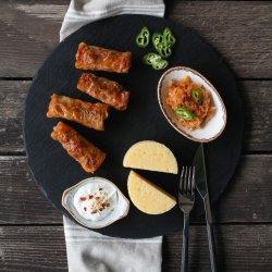 Sarmale vegetariene cu mămăligă friptă image