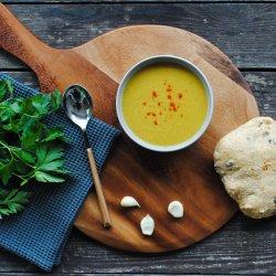 Supă cremă de rădăcinoase cu ghimbir și brânză de capră image