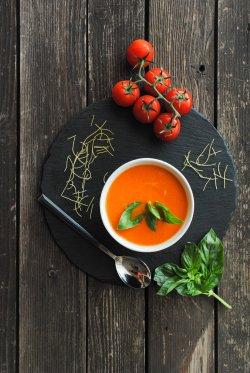 20% reducere: Supă cremă de roșii cu busuioc image