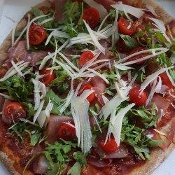 Pizza Prosciutto e Crudo image