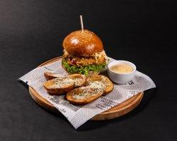 50% REDUCERE: Crispy Colonel Sandwich  image