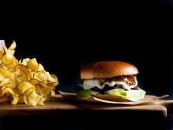 Burger cu brânză de capră și dulceață de smochine image