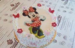 Tort Minnie Mouse cu buline