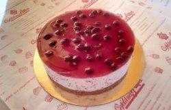 Cheesecake cu ciocolată și vișine