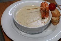 Supă cremă de creveți cu somon image