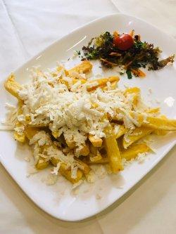 Cartofi prăjiți cu brânză rasa image