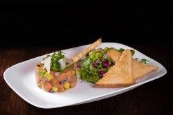 Tartar de somon cu mix salad image