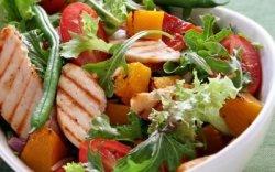 Salată din piept de pui image