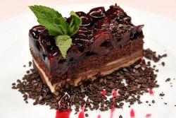 Prăjitură cu vișine și bucăți de ciocolată image